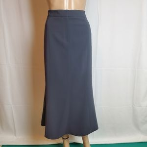 Jones New York Gray A-line Skirt in a size 16
